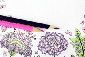Malbuch für Erwachsene Mandala Motiv mit Buntstiften